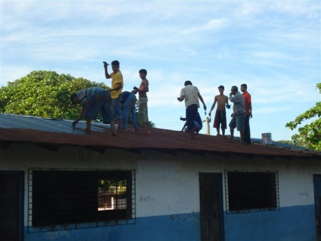 El Chavo Roof renovation - funds raised from the Copa Sandino 2009 in Bristol